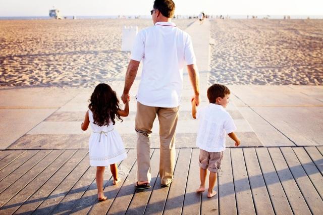 BEACH FAMILY01