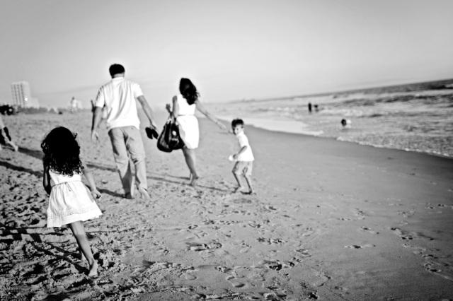 BEACH FAMILY32